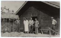 Logor Jasenovac, šef logorske ambulante dr. Milo Bošković (u bijeloj kuti)